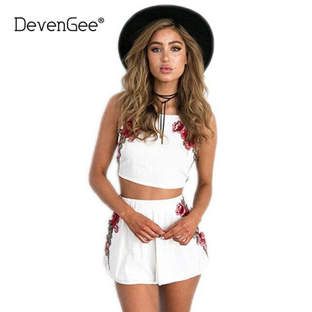 innovative design 5c876 1bd2e DevenGee-Sexy-D-t-Plage-Deux-Pi-ces-Ensemble-Femmes -Floral-Broderie-Vintage-Crop-Top-Shorts.jpg 640x640.jpg