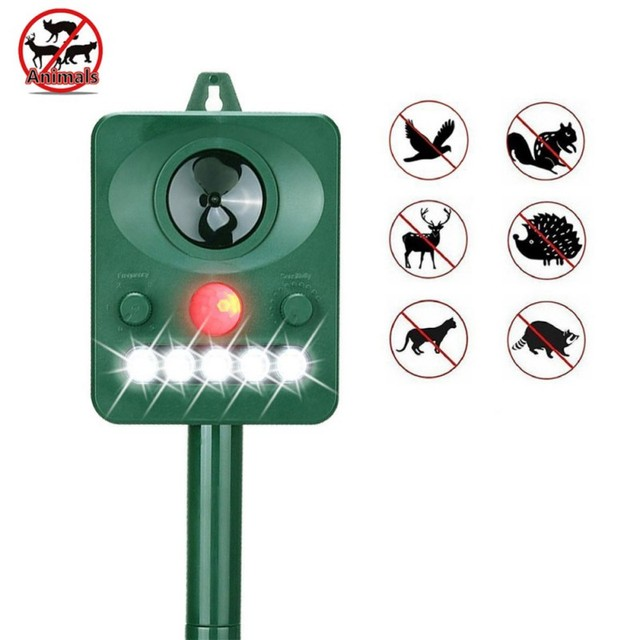 Solar Ultrasonic Animal Repellent Humane Outdoor Dog Cat Bird Repeller Animal Pest Reject With Powerful LED Strobe Lights
