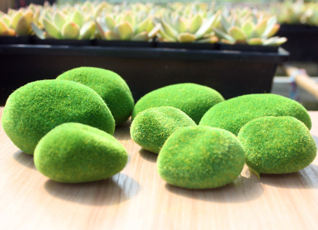Online Shop Hot Sale Artificial Fake Faux Emulation Moss Fuzzy Stone Gorgeous Stone Ball Garden Decoration