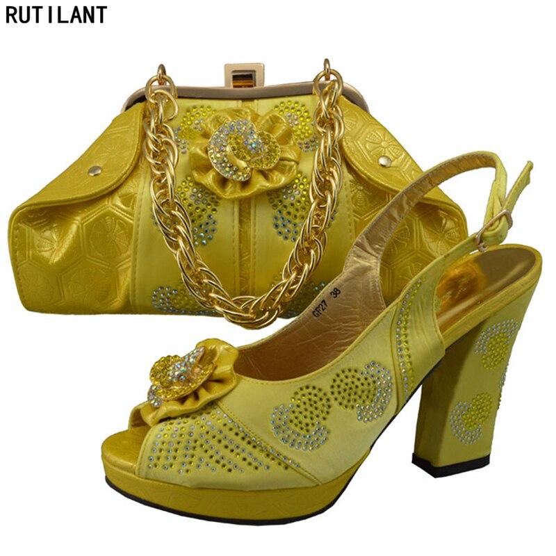 Chaussures Style Femmes Chaussure Et Conception Avec De Dernières Nigérian Ba Mis Italie Appliques En Décoré Purple Ensemble Sac yellow Correspondant qawtdgdW