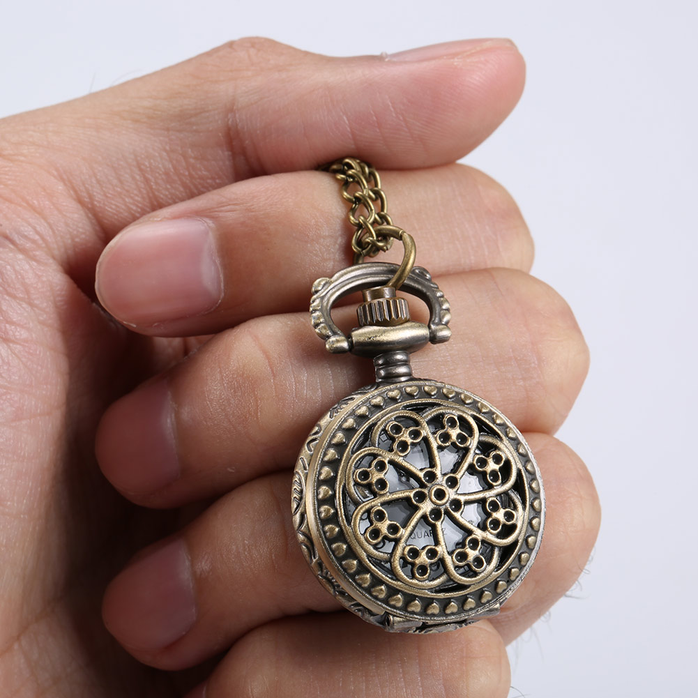 Fashion Vintage Women Pocket Watch Alloy Retro Hollow Out Flowers Pendant Clock Sweater Necklace Chain Watches Lady Gift  TT@88
