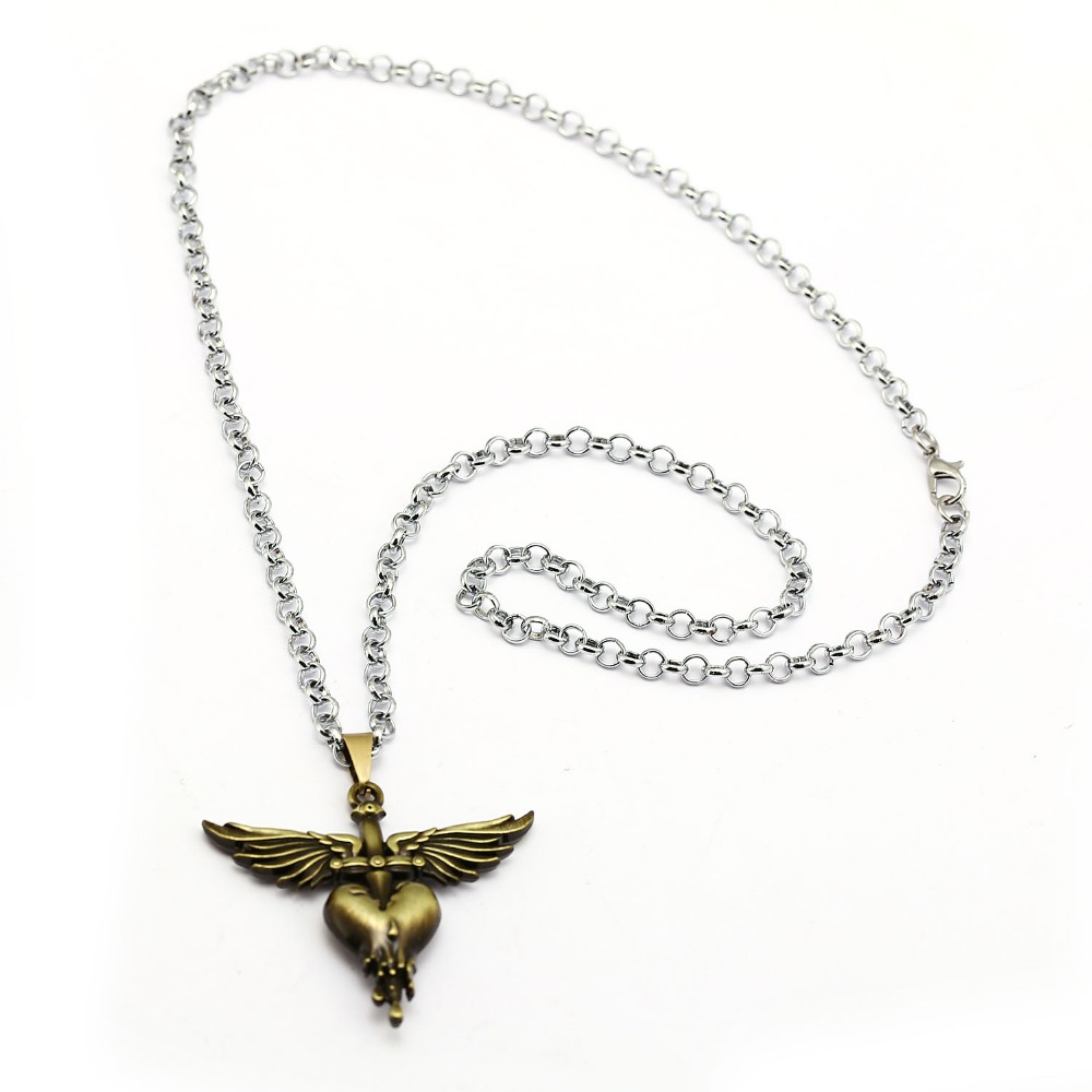 Rock Music Band Bon Jovi Necklace Music Wing Heart Metal Pendant Necklace Friendship Accessories Men Birthday s