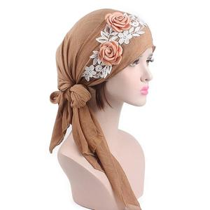 Image 4 - 8 個の女性イスラム教徒のヘッドスカーフ花化学及血帽子アラブイスラムターバン事前縛ら帽子バンダナがんキャップファッションランダムな色