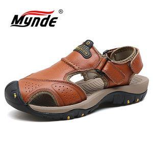 Image 1 - Mynde 2019 חדש גברים קיץ סנדלי עור אמיתי חדש לגמרי חוף גברים סנדלי נעלי בית לנשימה באיכות גבוהה גברים נעליים יומיומיות