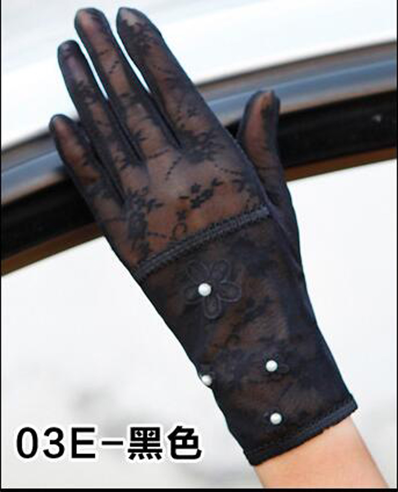 HTB1s26cRFXXXXc9XVXXq6xXFXXXE - Sexy Summer Women UV Sunscreen Short Sun Female Gloves Fashion Ice Silk Lace Driving Of Thin Touch Screen Lady Gloves G02E
