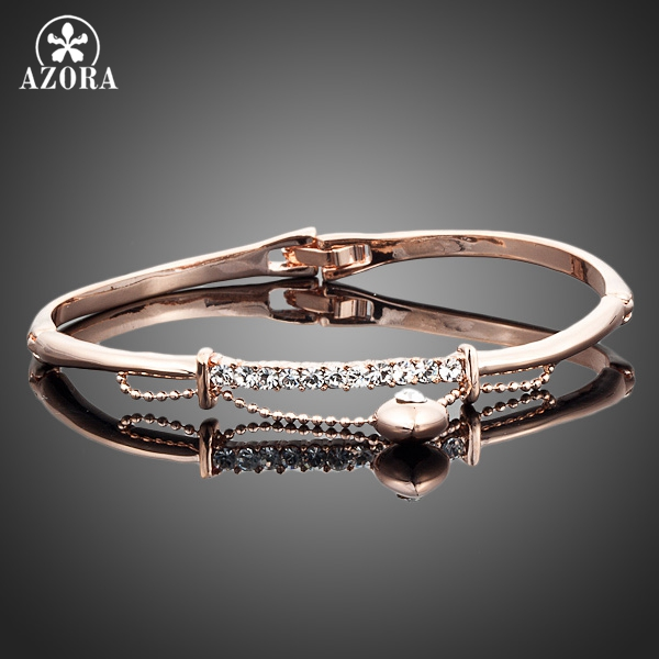 цена AZORA Gold Color Stellux Austrian Crystal Heart Charm Bangle Bracelet for Valentine's Day Gift TB0004