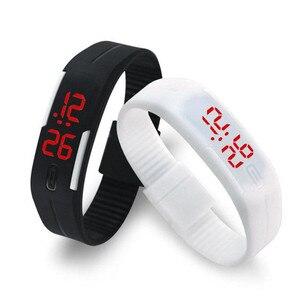 2019 الحلوى اللون الرجال ساعة نسائية المطاط LED الاطفال الساعات تاريخ سوار الرقمية ساعات يد رياضية للطلاب