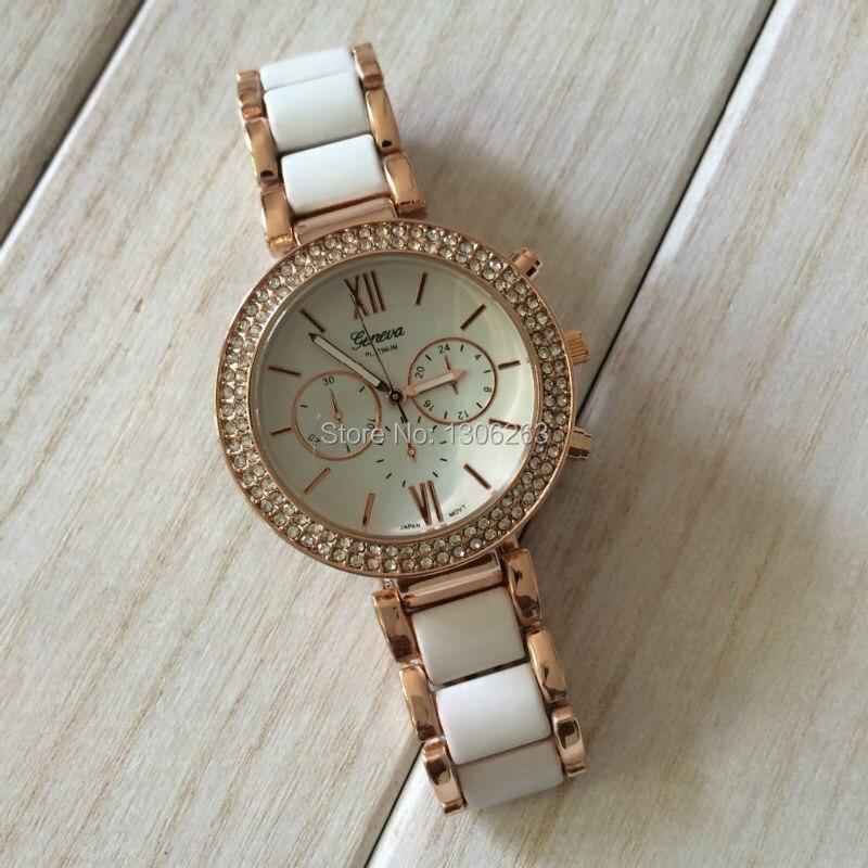 Fashion alloy Geneva watches with diamond Geneva Bling Crystal Women Girl Watch Stainless Steel Quartz Wrist Watch Gold Geneva