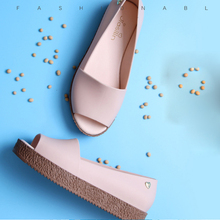 2018 Summer Women's Flat Platform Jelly Sandals PVC Waterproof Peep Toe Beach Slippers For Woman Girl Laides 4 colors