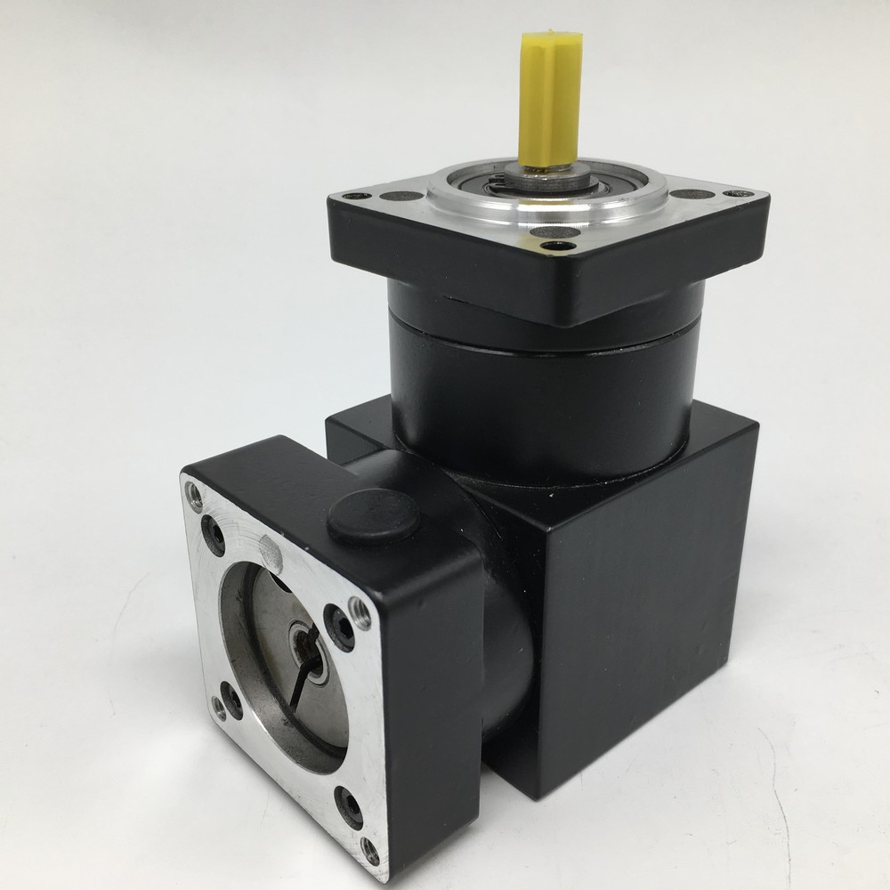 Right Angled Planetary 3 :1 Ratio NEMA34 86MM  Speed Reducer Gearbox 90 Degree Angle Reversing Corner for 86 Stepper MotorRight Angled Planetary 3 :1 Ratio NEMA34 86MM  Speed Reducer Gearbox 90 Degree Angle Reversing Corner for 86 Stepper Motor