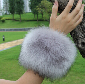 Autumn And Winter Women's Extra Large Faux Fur Fox Fur Cuff Winter Oversleeps Hand Ring Wristiest Gloves Winter Arm Warmer