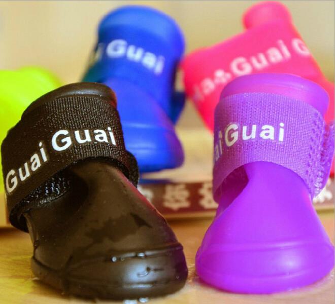 4pcs / komplekts Pet Dog Shoes Ūdensnecaurlaidīgs suņu apavi - Mājdzīvnieku produkti