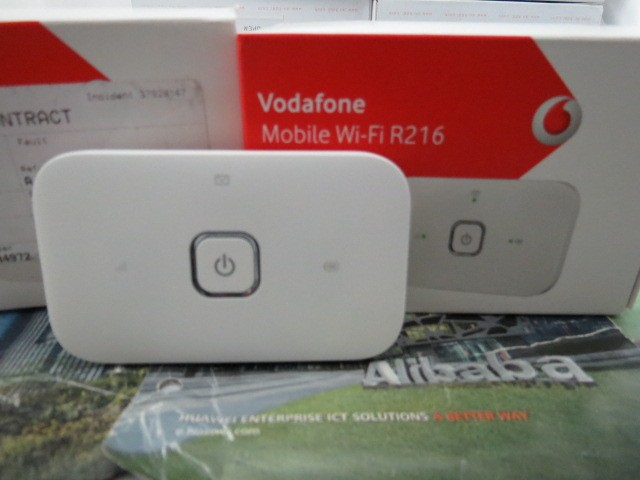 Vodafone R216 4G mobilen WiFi Hotspot-in Wireless Routers from Computer &  Office