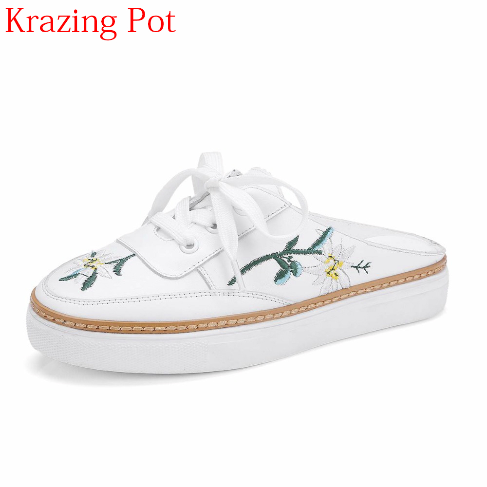 2019 Hot Sale Full Grain Leather Round Toe Causal Shoes Embroidery Lace Up Color Slippers Platform Women Vulcanized Shoes L312019 Hot Sale Full Grain Leather Round Toe Causal Shoes Embroidery Lace Up Color Slippers Platform Women Vulcanized Shoes L31