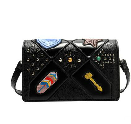 ФОТО Europe Famous Designer Rivet Embroidery Messenger Bag High Quality Mini Crossbody Bags For Women Luxury Shoulder Bag Sac Femme