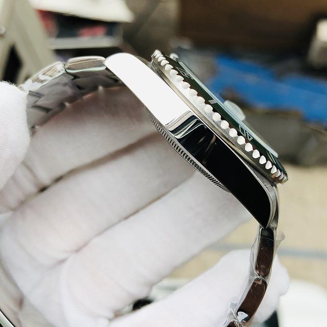 Top Brand 100m Waterproof Business Wristwatch