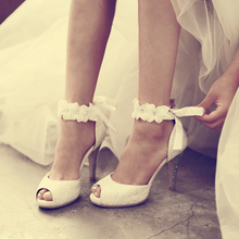 2016 White Lace Wedding Formal Dress Shoes Peep-toe Lady Bridal Party Prom Shoes Women High-heeled Shoes Beautiful Pageant Pumps