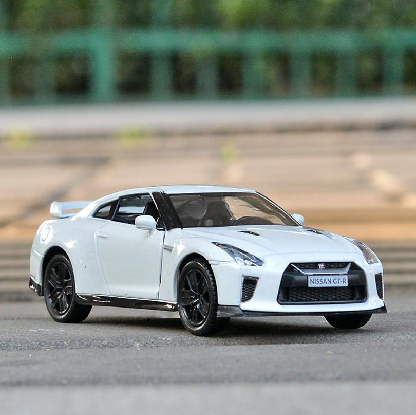 Free Shipping/1:36 Scale/Nissan GTR Car Toy/Diecast Metal Pull Back Car/Educational For Children/Collection Model Wholesale