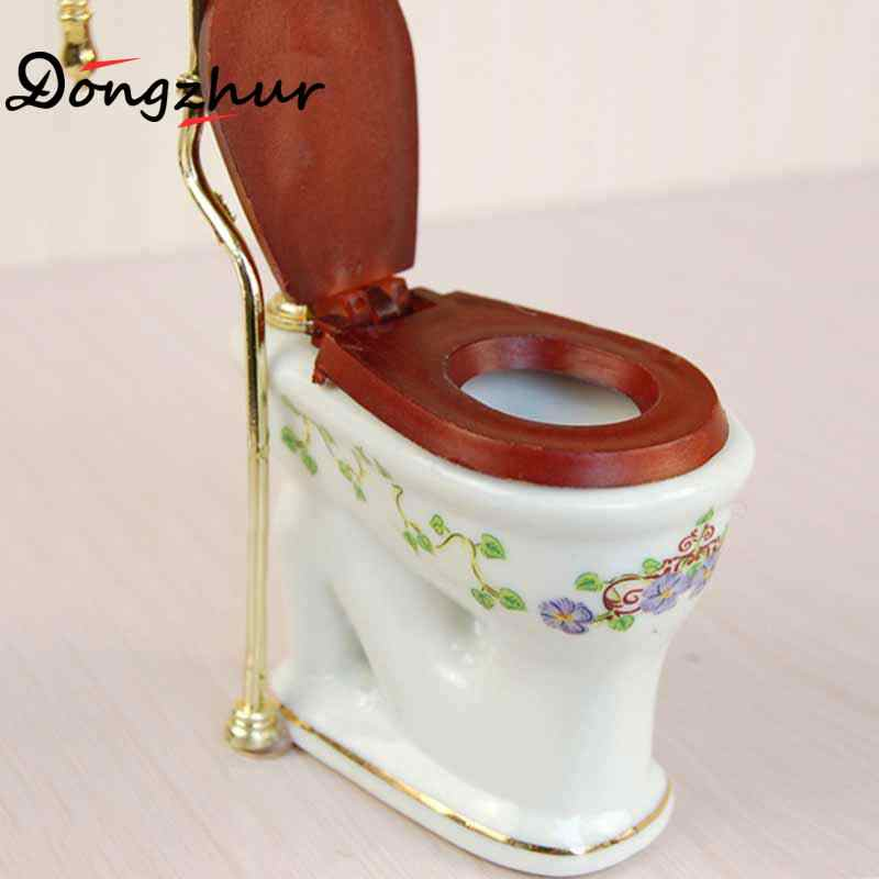Doll House 1pc Victoria Toilet Dollhouse Miniatures 1:12 Accessories Mini Model Bathroom Supplies Miniature Dollhouse Toy House