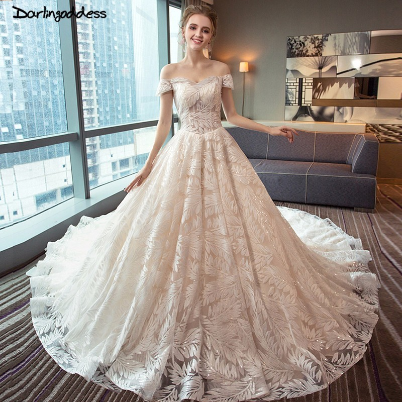 d58bbbb22c34 Aliexpress.com : Buy Darlingoddess Luxury Red Champagne Ball Gown Wedding  Dress 2018 Off Shoulder Long Tail Wedding Dress Plus Size Vestido de Noiva  from ...