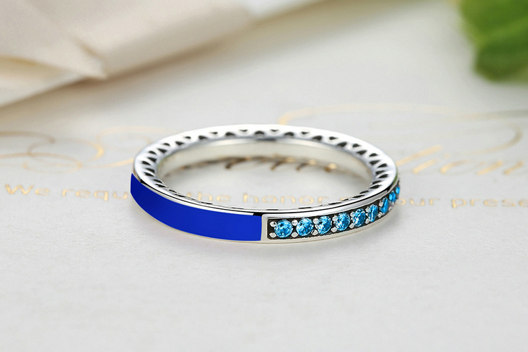 100% 925 Sterling Silver Radiant Hearts of Princess Blue Enamel & Royal Blue Crystal Ring