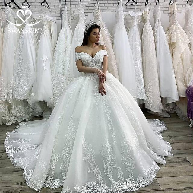Robe De Mariée Luxe 2019 Princesse Swanjupes Appliques Perlées à Lacets Robe Bal Chapelle Train Vestido Noiva Xz03