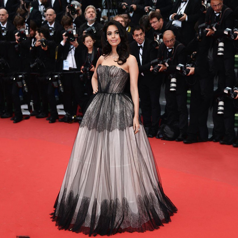 Custom Made Red Carpet Dresses Floor Length A Line Lace Strapless Black Celebrity Dresses Mallika Sherawat Inspired By Cannes