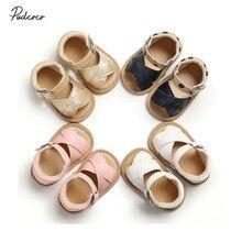 Брендовые сандалии для новорожденных девочек, Нескользящие летние туфли принцессы с перекрестными ремешками из искусственной кожи для детей 0-18 месяцев