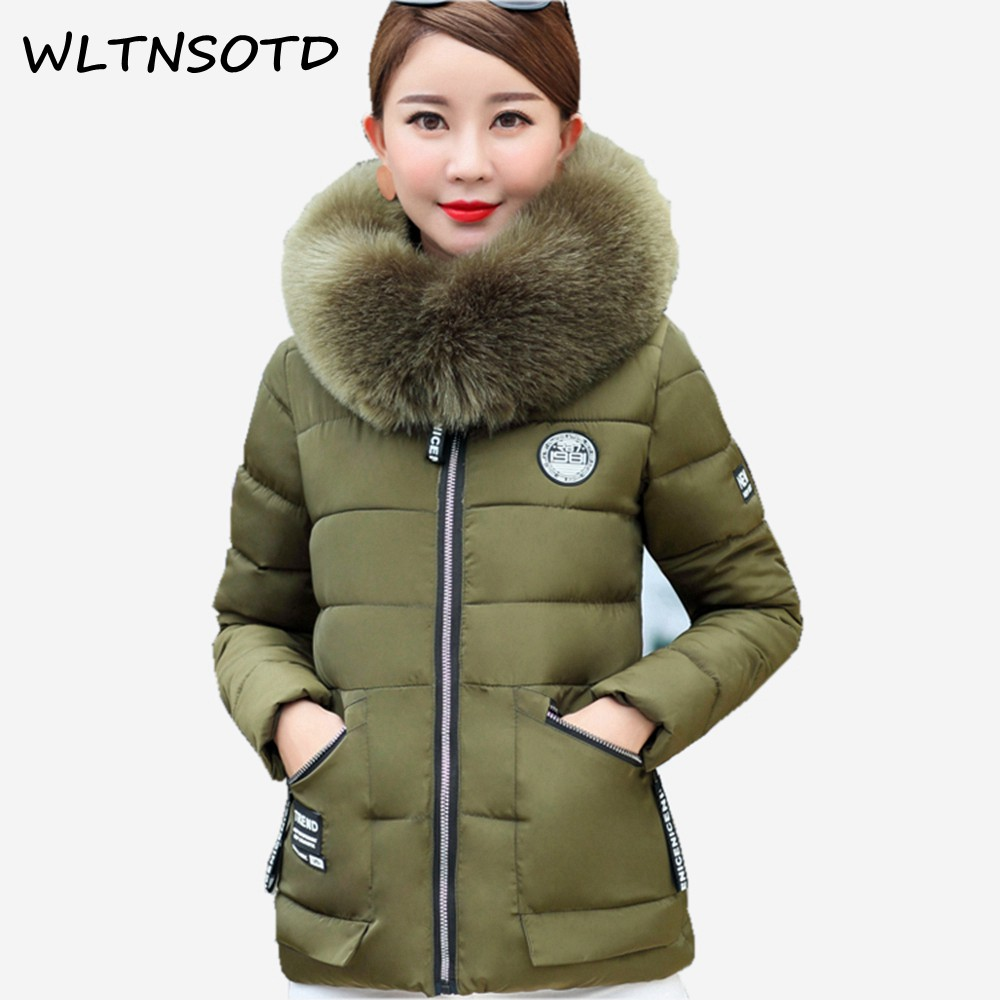2017 winter new women short Big fur collar Hooded Slim cotton jacket Female printing pattern Badges coats parkas warm 2017 winter new cotton coat women short slim big fur collar hooded thick jacket female fashion printing warm parkas