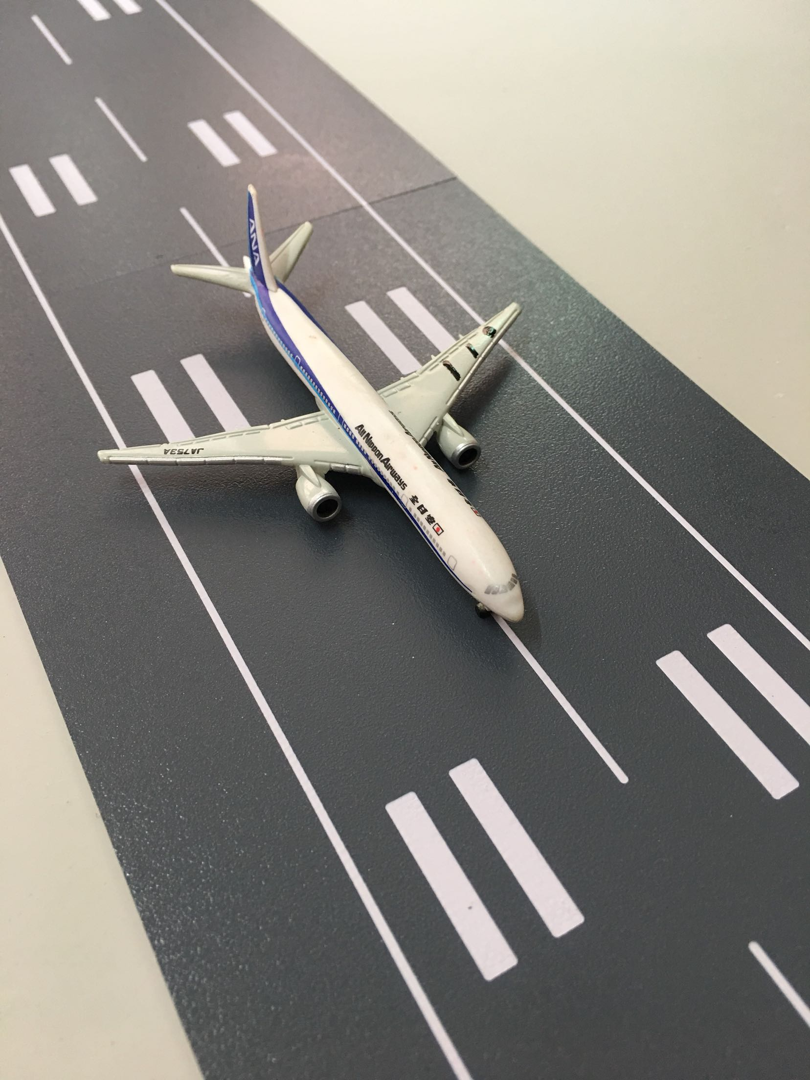 1 1000 Scale Aircraft Model Runway Plastic Road For Flight Takeoff And Landing Sand Table Layout Toys in Model Building Kits from Toys Hobbies