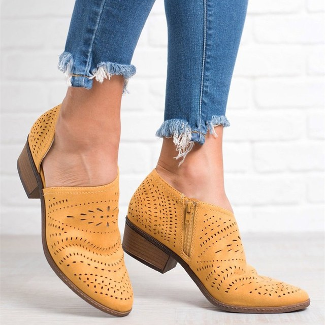 EOEODOIT Fretwork Çizmeler Kadın Bahar Yaz Düşük Tıknaz Topuk Sivri Burun Yan Zip Pompaları Kısa Ayak Bileği Ayakkabı Hollow Out Retro sandal