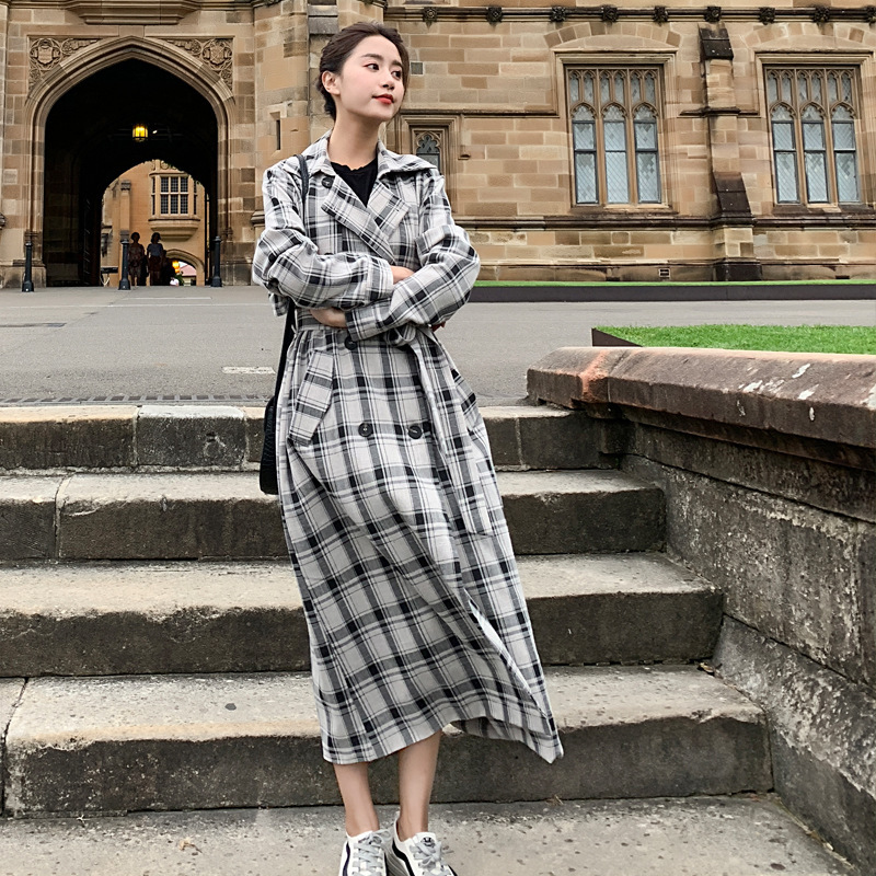 LANMREM 2019 Spring New Black Whtie Contrast Color Plaid Long Coat For Women Fashion Double Breasted