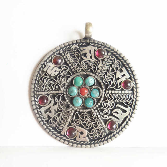 US $5 99  TBP147 Tibetan Mantras Amulet Pendant OM MANI PAD ME HUM Six  Words Totems-in Pendants from Jewelry & Accessories on Aliexpress com    Alibaba