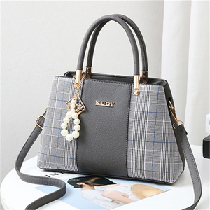 Image 3 - 21club Brand PU Leather Large Capacity Woman Handbag Grid Shoulder Bag Fashion Casual Luxury Designer Crossbody Women Handbags