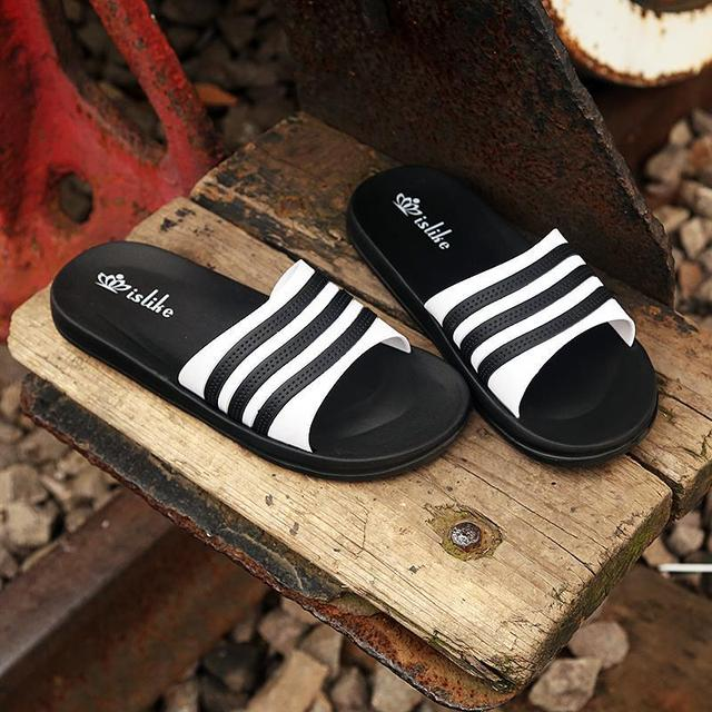 1650ffa2987563 2017 New Summer Cool Men Flip Flops British Style Boardered Beach Sandals  Non-slide Male Slippers Zapato Hombre Bath Swim Shoes