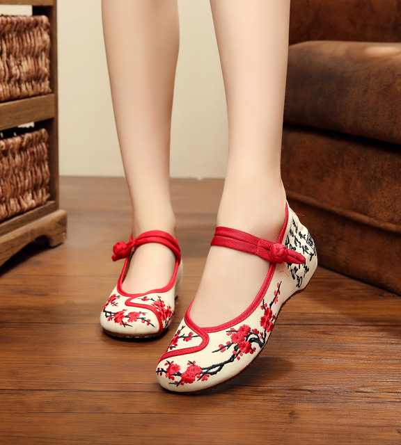 Hotsale Embroidered Old Peking Soft Flat Casual Shoes AQAQKA