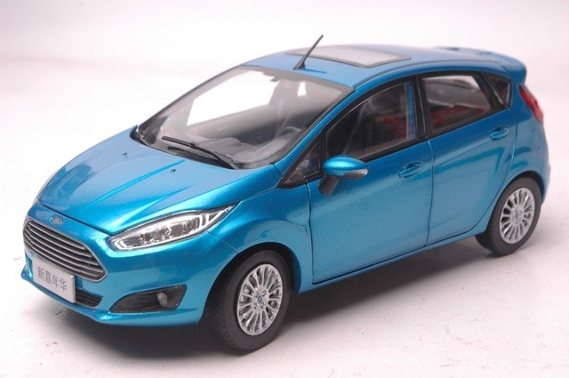 118 Scale Diecast Model Car For Ford Fiesta 2013 Blue Hatchback Alloy Toy