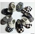50paris/lot Black&white Patch PU Leather Baby Moccasins shoes fashion bow Moccs soft sole Newborn Baby firstwalker Anti-slip