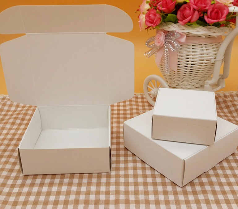50pcs/lot-9.5*9.5*3.5cm <font><b>Big</b></font> Size Blank White Aircraft Cardboard <font><b>Boxes</b></font> Handmade <font><b>Gift</b></font> Jewelry Snack <font><b>Packaging</b></font> <font><b>Boxes</b></font> image