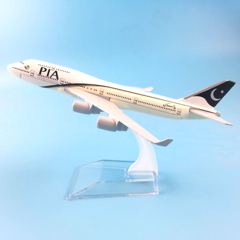 16cm Metal Alloy Plane Model Air Pakistan PIA B747 Airways Aircraft Boeing 747 400 Airlines Airplane Model W Stand Gift