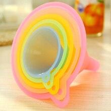 5 ADET Küçük Orta Büyük Çeşitli Sıvı Renkli Plastik Huni yağ hunisi Küçük Orta Sıvı mutfak seti Yağ Çok Çeşitli Kiti
