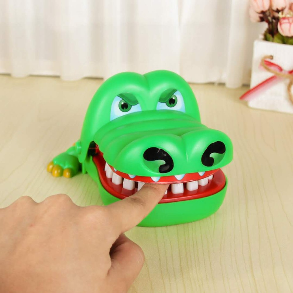 Crocodile Finger biting toy Funny toys Gags & Practical Jokes ...