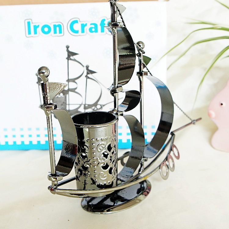 Home Office Nautical Decoration Warship Sailing Model Handmade Metal Craft Ship Pen Box Antique Sailboat Model Bar Furnishings