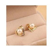 Grace Jun(TM)  Korea Style Triangle Clip on Earrings Non Piercing for Women Wedding Charm Silmulated Pearl Earring New Arrival