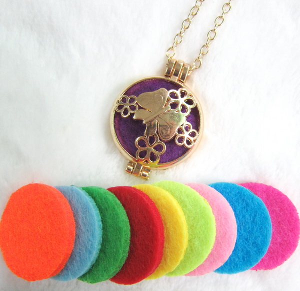1pc sale good quality gold butterfly locket pendant necklace essential oil diffuser necklace with 1pc 3mm felt pad