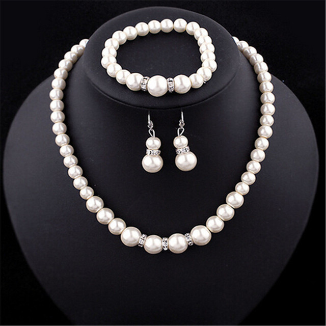Ahmed Jewelry 2017 New Fashion Set Imitation Pearl Necklaces Necklace Bracelet And Earrings 1