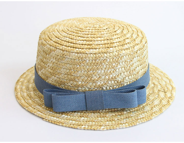 Classical beach hats are an effective accessory to make you look great on summer  beach 93fe87a47eab