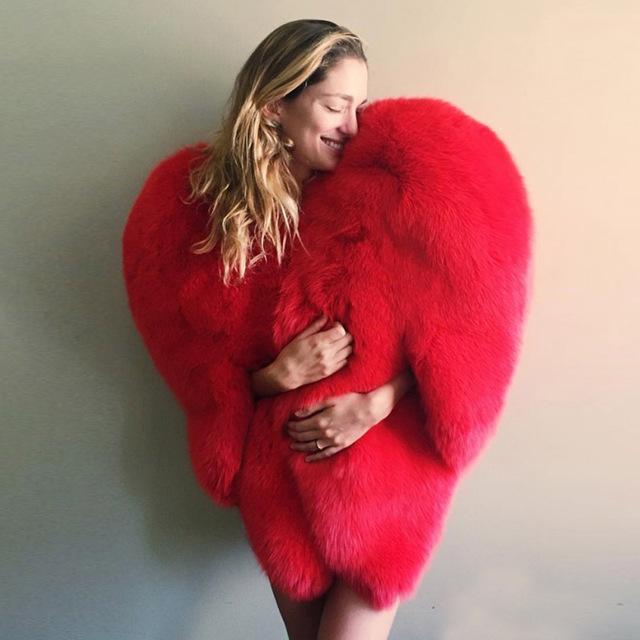 Stylish 3D Red Love Heart Shaped Cape Faux Fox Fur Thick Warm Celebrity Women Long Hairy Shaggy Coat Jacket Outerwear Winter Top