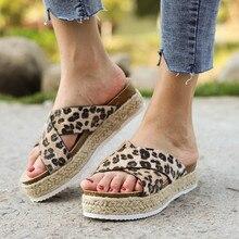 Леопардовые женские модные повседневные шлепанцы на толстой подошве пляжная обувь на платформе женские домашние тапочки высокого качества Y