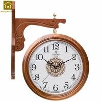 Из цельного дерева Двухсторонние настенные часы гостиная стиль деревянные часы настенные часы Zegar Свадебные украшения Wandklok старинные часы